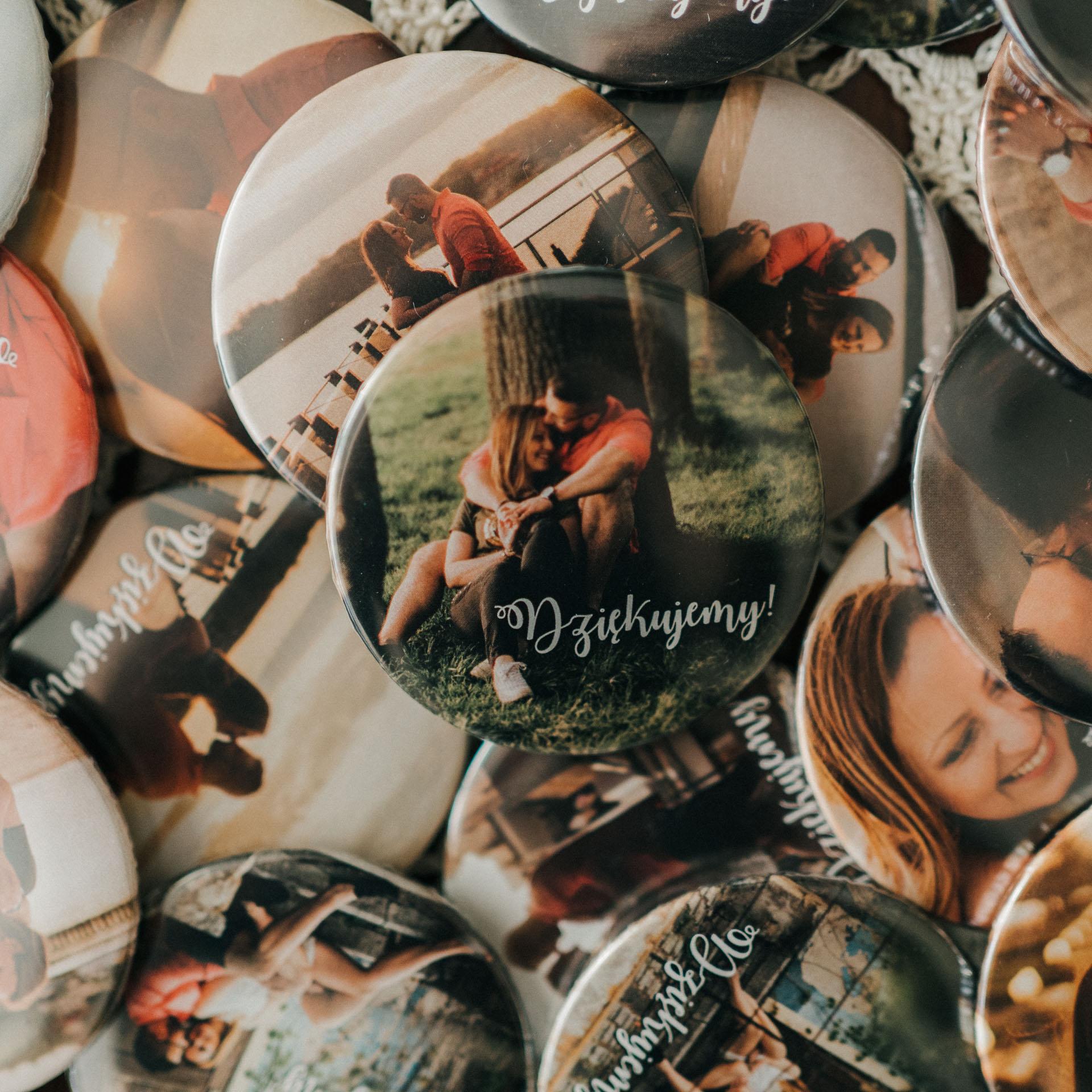 prezenty dla gości weselnych magnesy ze zdjęciami